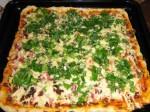Пицца с ветчиной, курицей и грибами