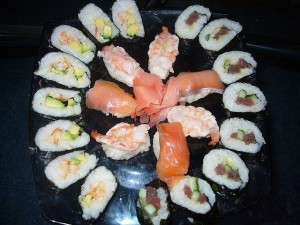 Суши, роллы, нигири
