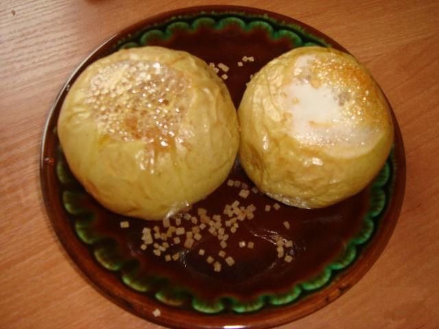 Яблоки запеченные в духовке с медом и