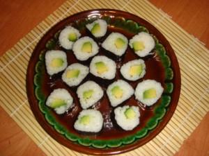 Роллы с авокадо
