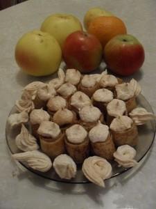 """Блинчики с яблоками под """"Безе"""""""