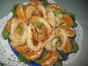 Блинчики с киви и мандаринами