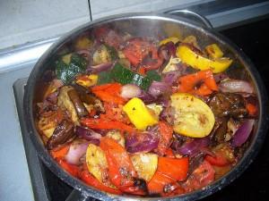 Рататуй с соусом из вяленых томатов