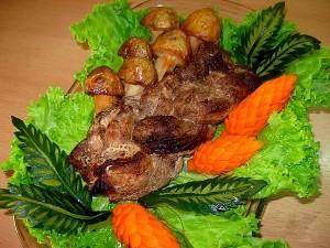 Мясная косичка с овощами