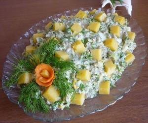 Салат с консервой