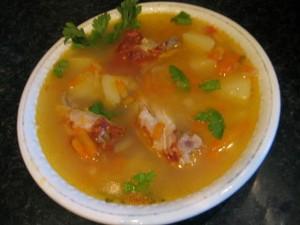 Гороховый суп с копчеными крылышками