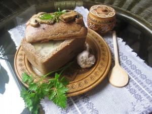 Польский грибной супчик в хлебном сундучке