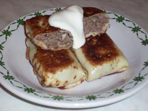 Блинчики фаршированные мясной начинкой