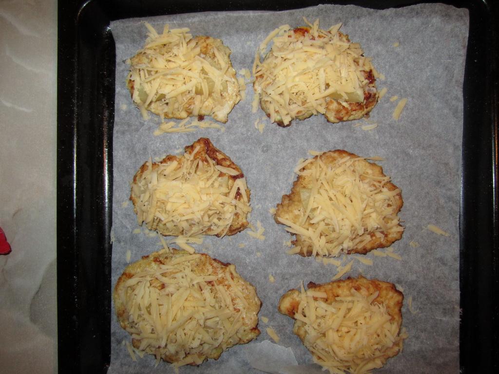 куриные отбивные с сыром и ананасом в духовке