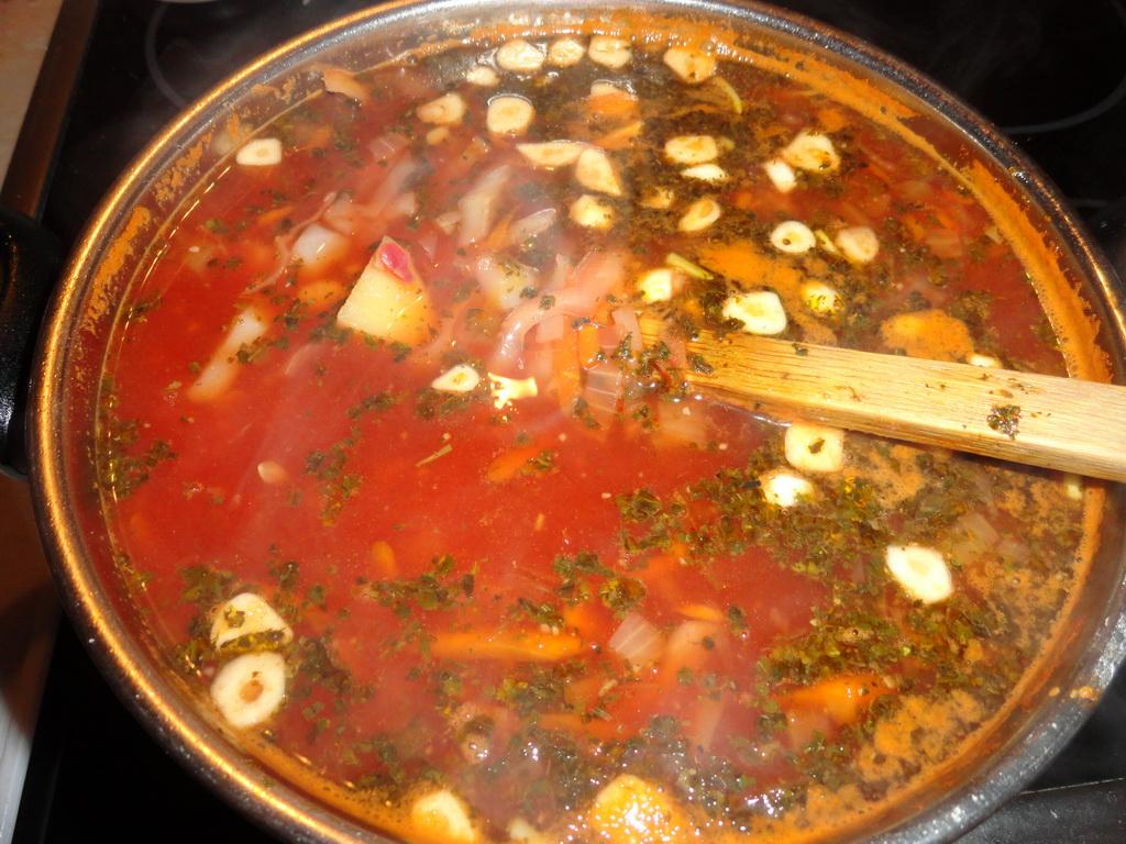 Рецепт борща с фасолью и килькой