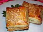 Мини-слойки с печеночной пастой