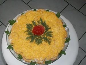 Салат с крекером