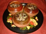 Гречка с грибами и луком в горшочках