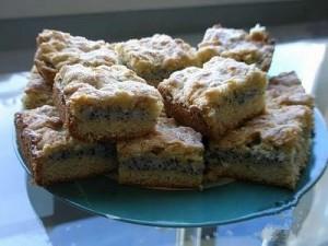 Пирожные с песочной крошкой