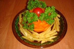 Картофель фри с оранжевым перцем