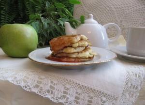 Оладьи из яблок и груш