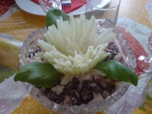 Салат из фасоли с копченным мясом
