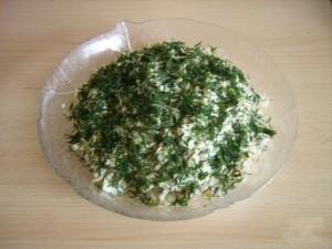 Салат из консервы с сыром