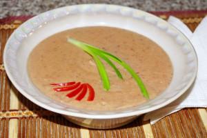 Фасолевый суп-пюре с паприкой